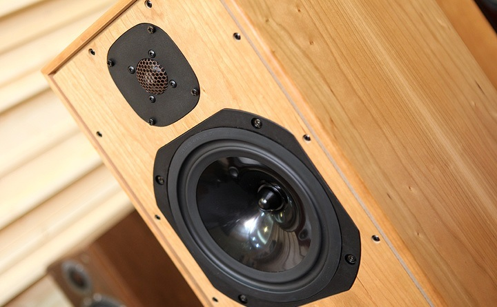 ... Compact 7ES-3 your search is over! in stock | Monitors | Audiogon Audiogon