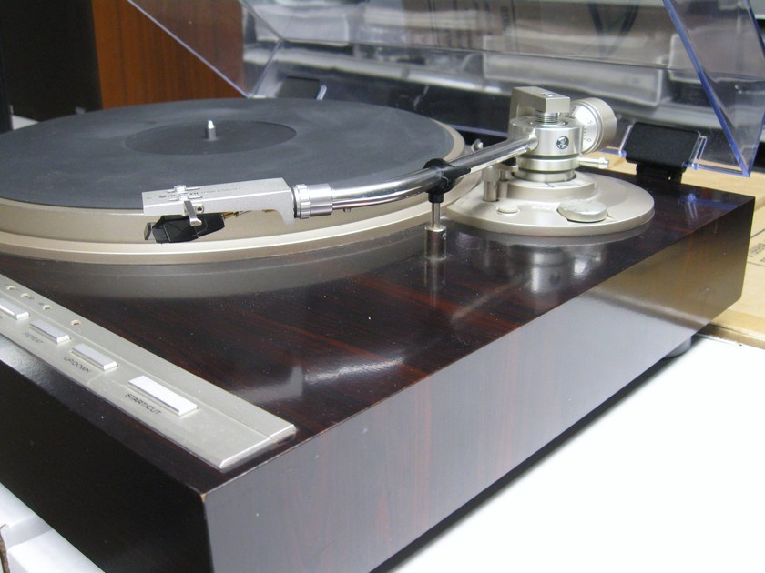 Hitachi HT-561 Automatic Direct Drive Quartz Lock 1980's Japanese Turntable Excellent   Condition
